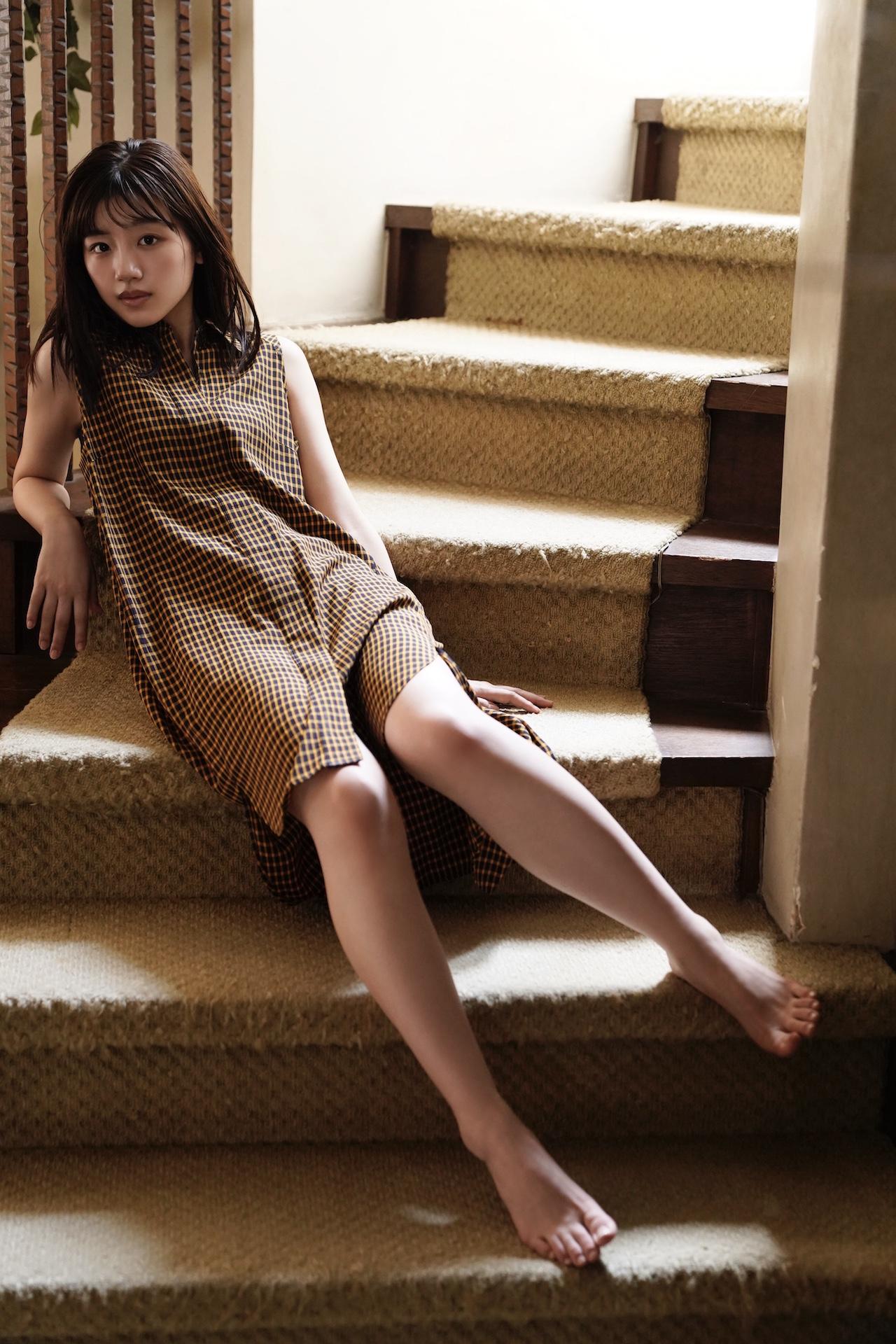 しなやかな肢体と美肌を披露。画像は、「blt graph.」 vol.59(東京ニュース通信社)