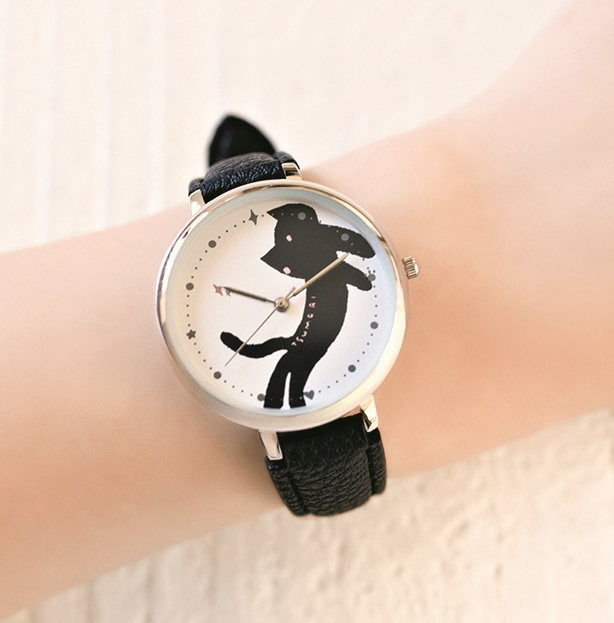 画像は、「cookpad plus」2021年冬号の付録。ツモリチサトの腕時計