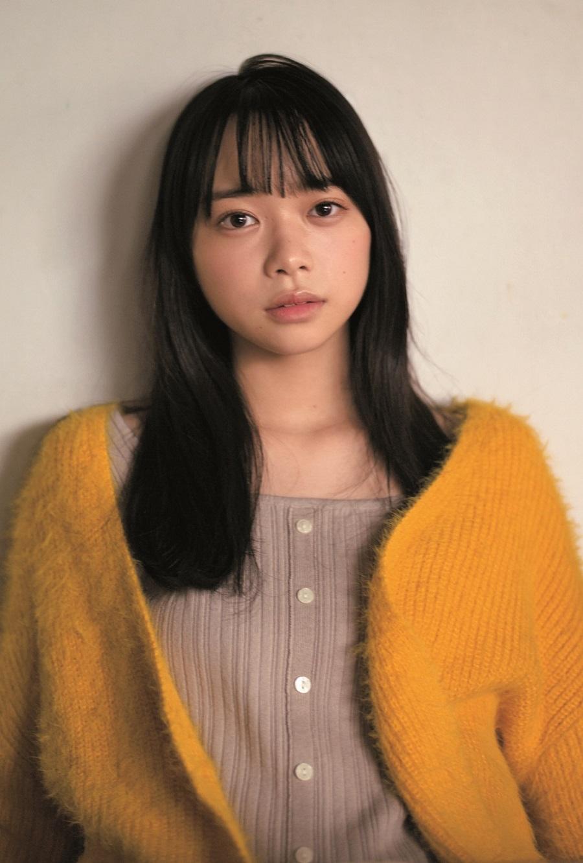 写真は、黄色のカーディガンを着た山口さん(提供:東京ニュース通信社)
