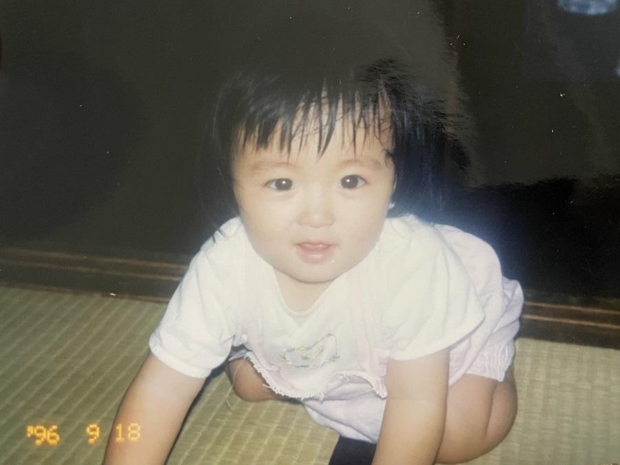 写真は岡崎さんの赤ちゃんの頃(提供:主婦の友社)