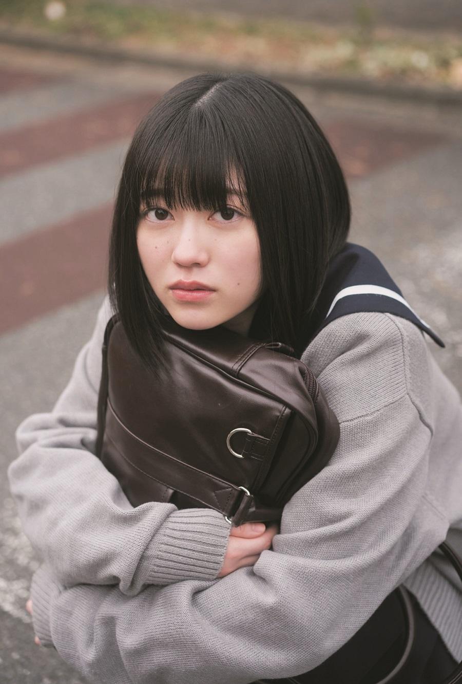 写真は、幸阪茉里乃さん(櫻坂46)ポストカード(提供:東京ニュース通信社)