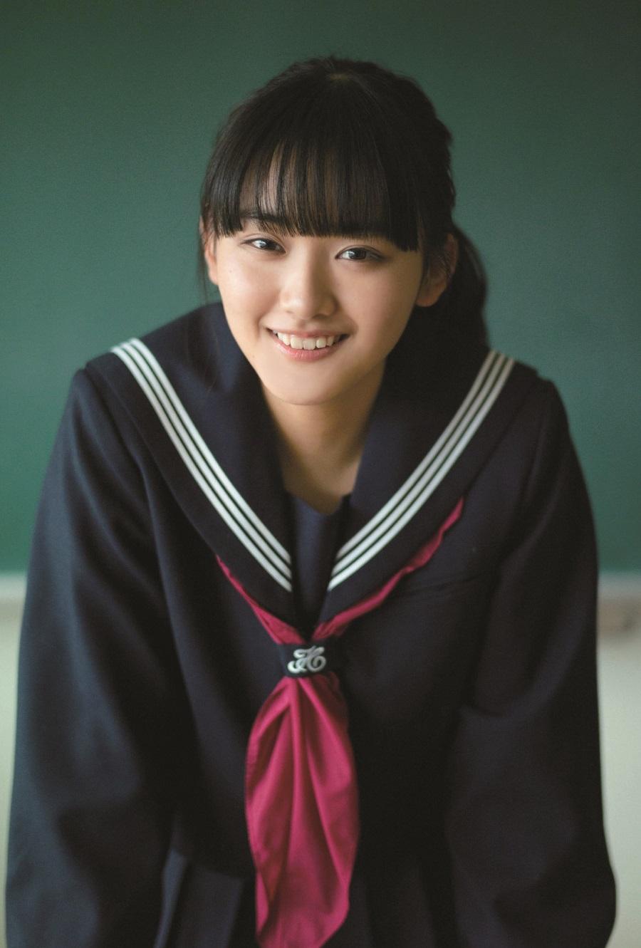 写真は、山﨑天さん(櫻坂46)ポストカード(提供:東京ニュース通信社)