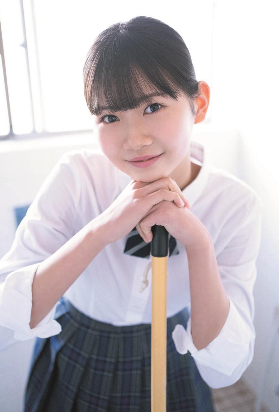 写真は、岡村ほまれさん(モーニング娘。'21)ポストカード(提供:東京ニュース通信社)
