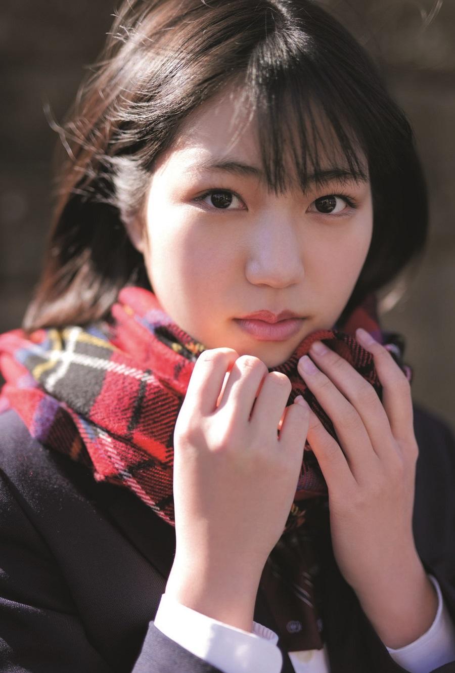 写真は、松永里愛さん(Juice=Juice)ポストカード(提供:東京ニュース通信社)
